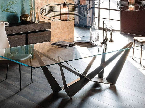 Skorpio Table Cattelan with glass top in living room: design excellence and perfect ambient