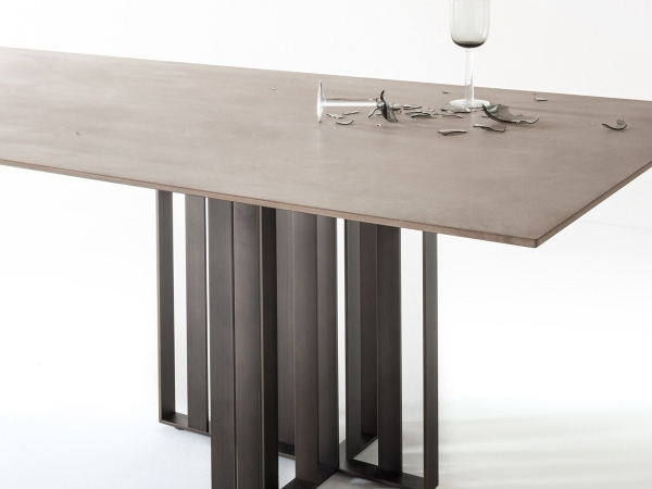 Lema Shade Table