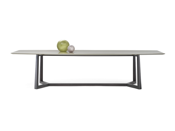 Flexform Gipsy Table