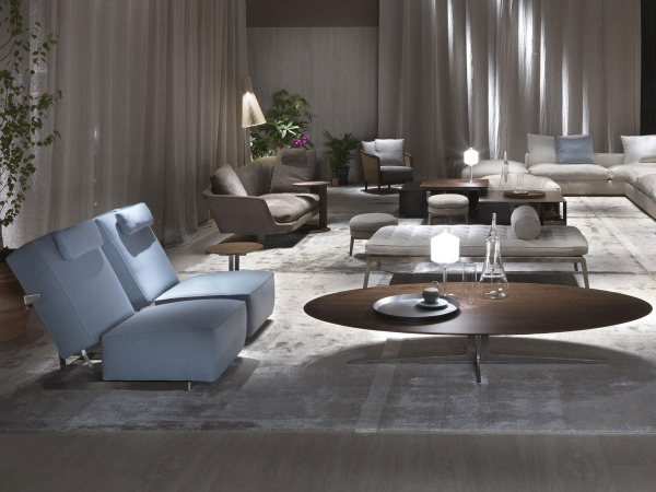 Relax corner with two Abcd Flexform armchairs