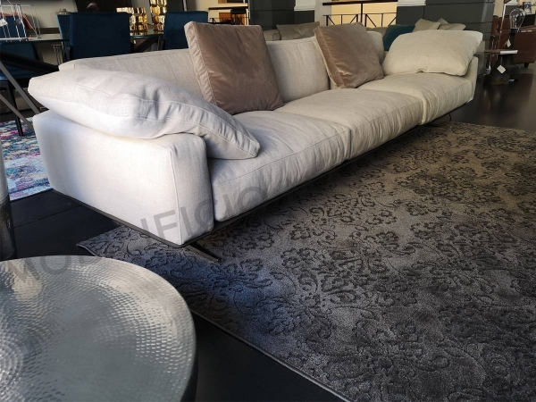 White Flexform Soft Dream sofa with carpet on sale at discounted price