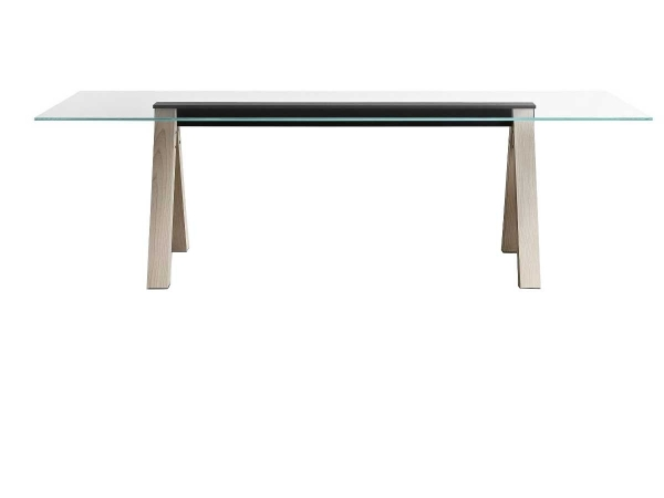 Sesto table by Lema: the...